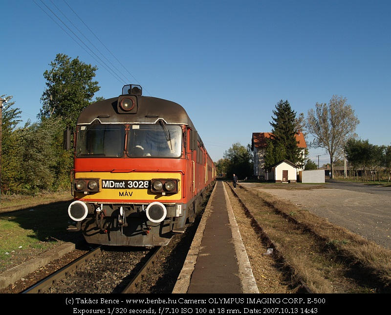 MDmot 3028 Létavértes állomáson fotó