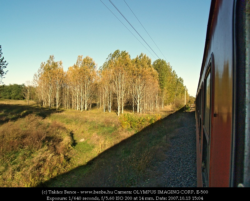 Monostorpályi környékén zakatol a vonat fotó