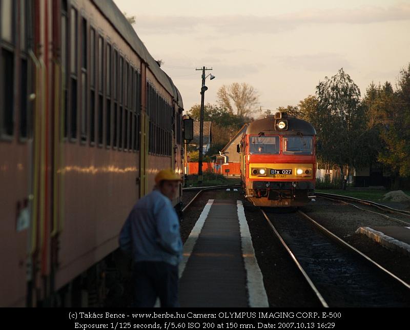 Btx 027 érkezik Sárándra fotó