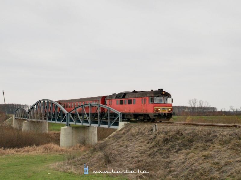 MDmot 3025 Pocsajnál, a Berettyó-hídon fotó