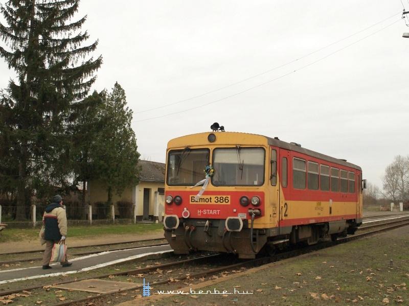Bzmot 386 Létavértes állomáson fotó