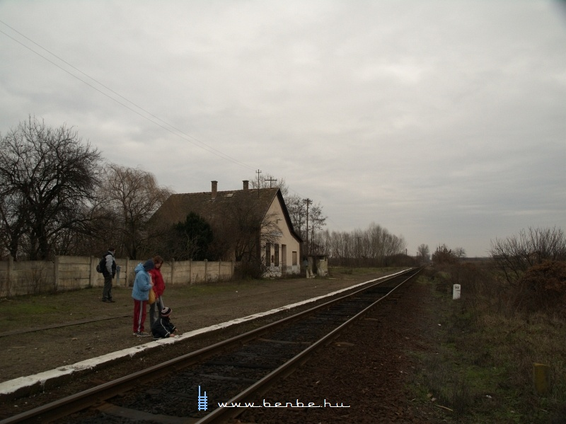 Monostorpályi megállóhely fotó