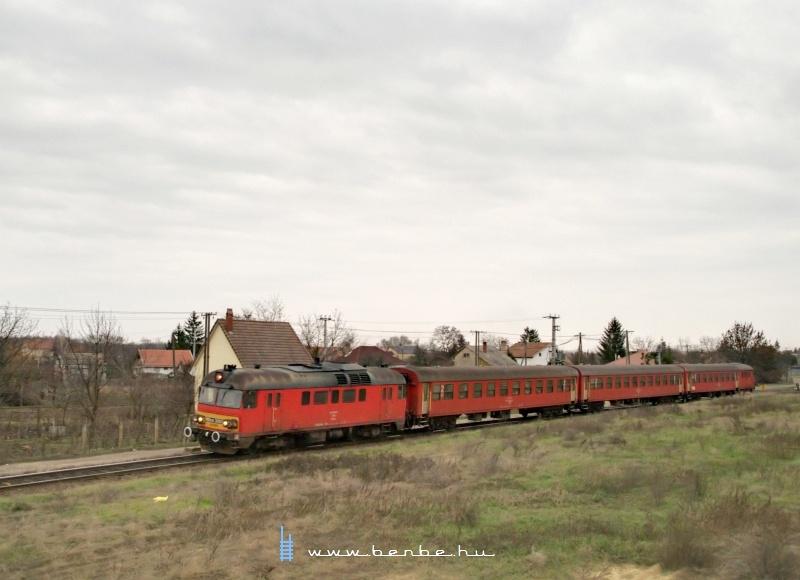 MDmot 3003 S�r�ndr�l j�r ki Debrecen fel� fot�