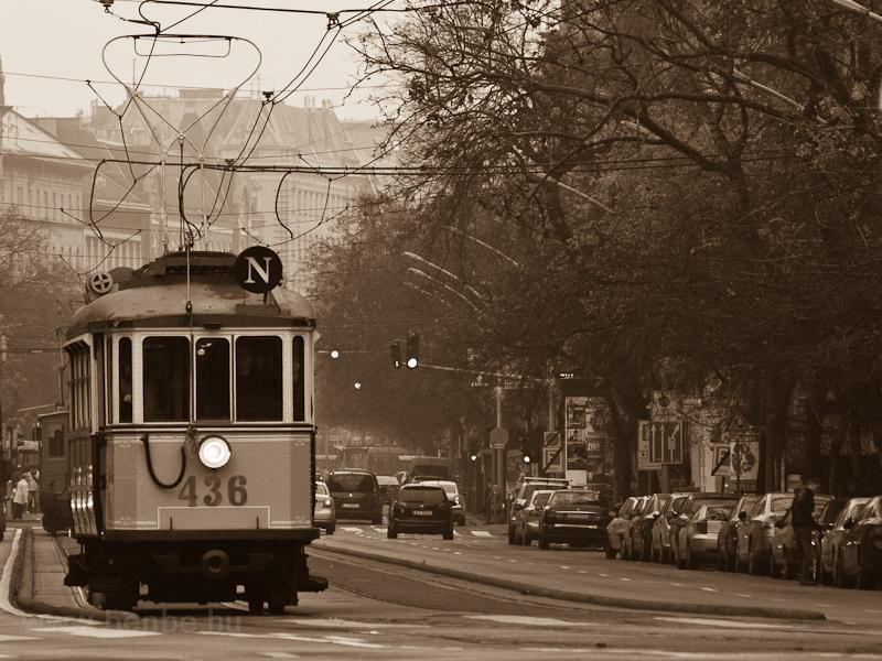 A 436-os pályaszámú favázas nosztalgiakocsi fotó