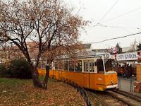 A 1352-as KCSV7 a Széll Kálmán téren