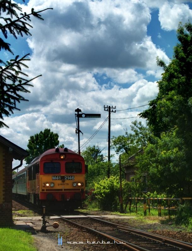 M41 2146 Székkutas állomásra érkezik Szeged felõl fotó