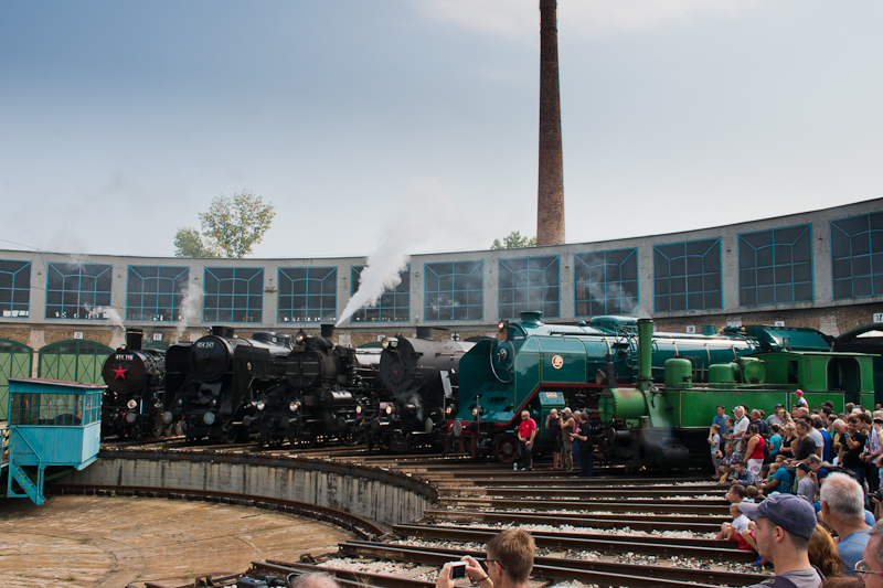Steam locomotives at the de photo
