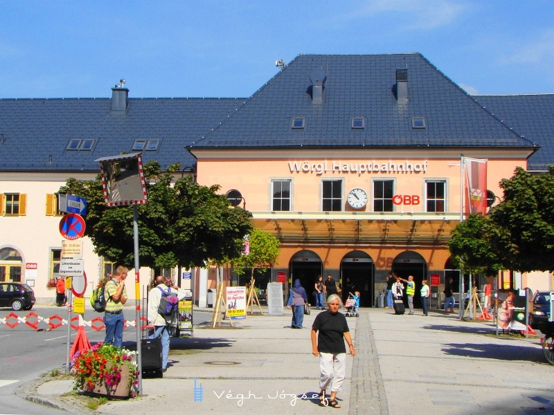 A 150 éves pályaudvar tiszteletére  rendezendő ünnepségsorozatra készülődik az épület fotó
