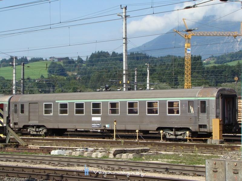 Vasúttörténeti érdekesség a wörgli pályaudvaron látható, különvonatban érkezett francia eredetű, rozsdamentes acél fölhasználásával készült INOX-DEV kocsi fotó
