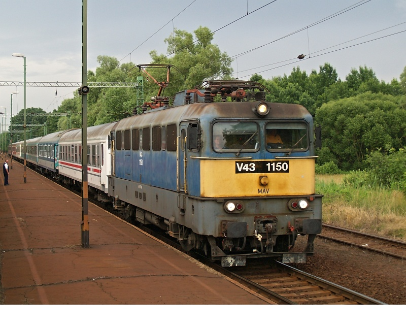 V43 1150 Zalaszentjakab állomáson fotó