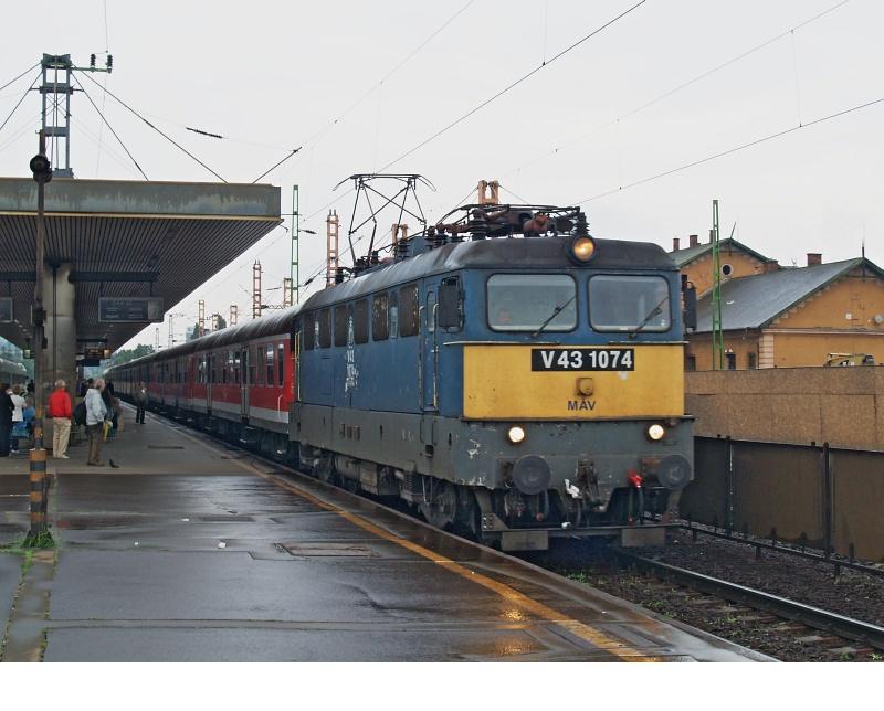 V43 1074 Kelenföldön fotó