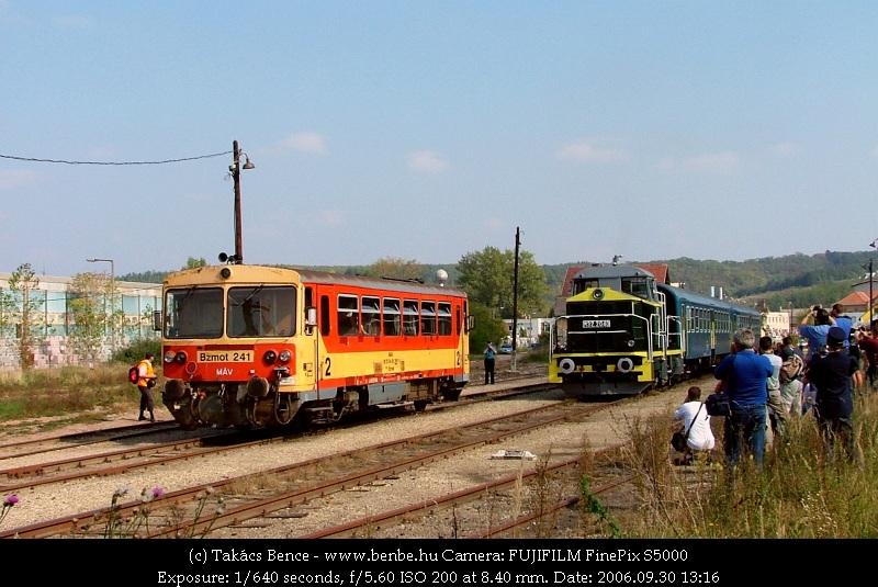 Bzmot 241 és M32 2040 Romhány állomáson fotó