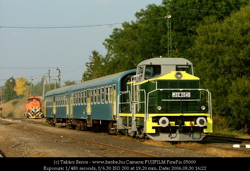 The M43 1155 and M32 2040 at Diósjenõ photo