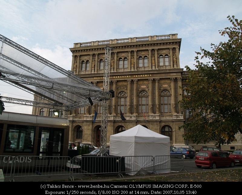 CITADIS bemutatóstand a Magyar Tudományos Akadémia épülete elõtt fotó