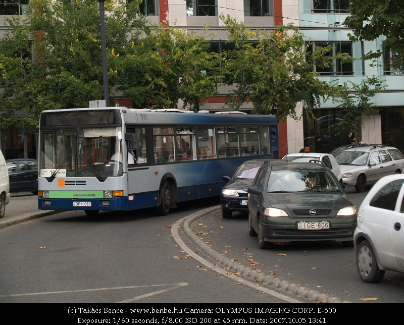 Ik412-es budapesti szokásos utastájékoztatási színvonalon fotó