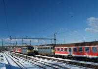 The V43 1066 and 1147 at Nagyt�t�ny-Di�sd