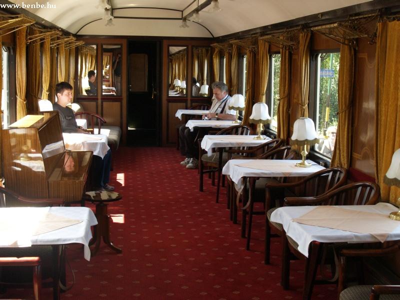 Az étkezõkocsi fotó