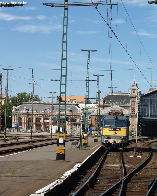 V43 1310 a Nyugatiban fotó