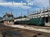 A 242-es áramvonalas gőzmozdony a Nyugati pályaudvaron