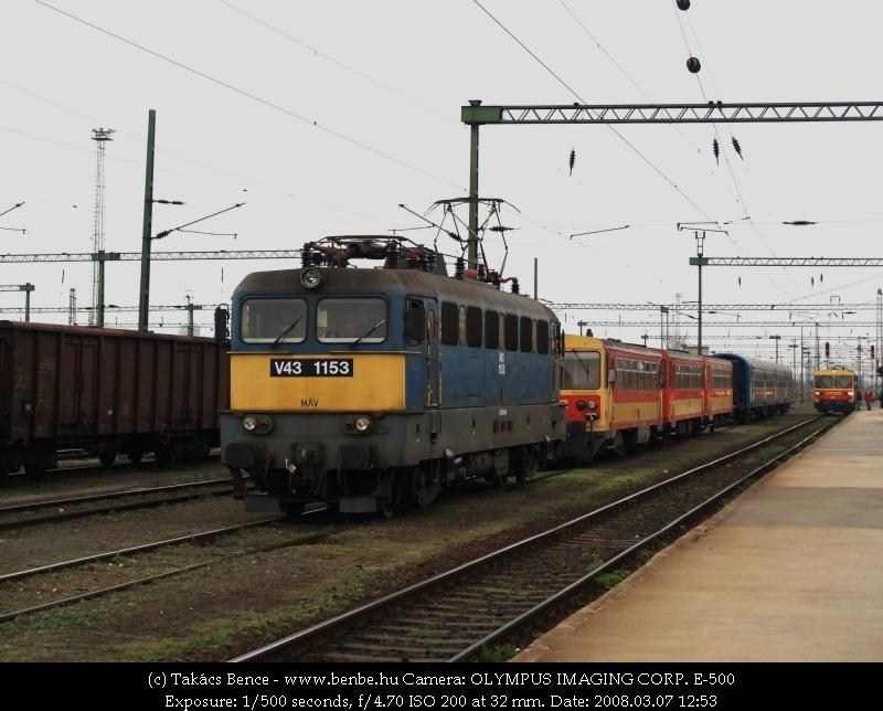 V43 1153, egy ismeretlen Bzmot és Bzmot 321 Székesfehérváron fotó