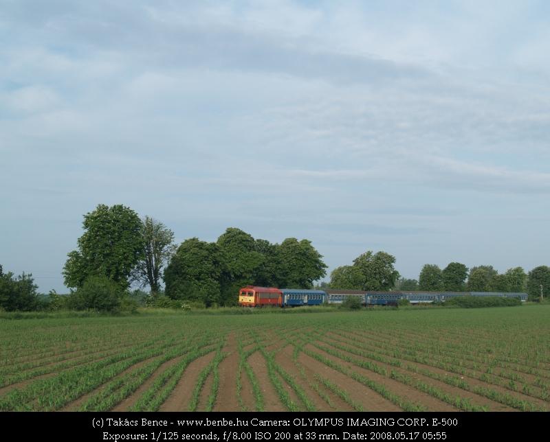 M41 2311 elhagyja Polgárdi Ipartelepeket, hamarosan Székesfehérvárra ér fotó