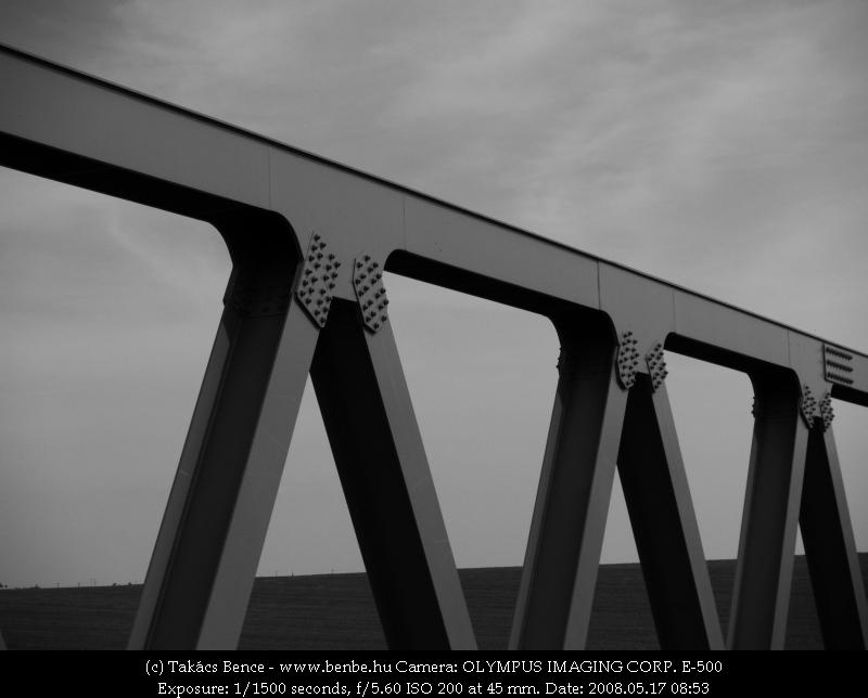 Az új híd egy részlete fotó