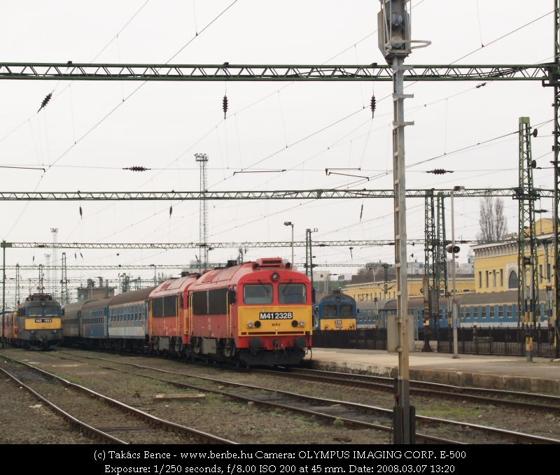 M41 2328 és 2308 a kétcsörgõs gyorson fotó