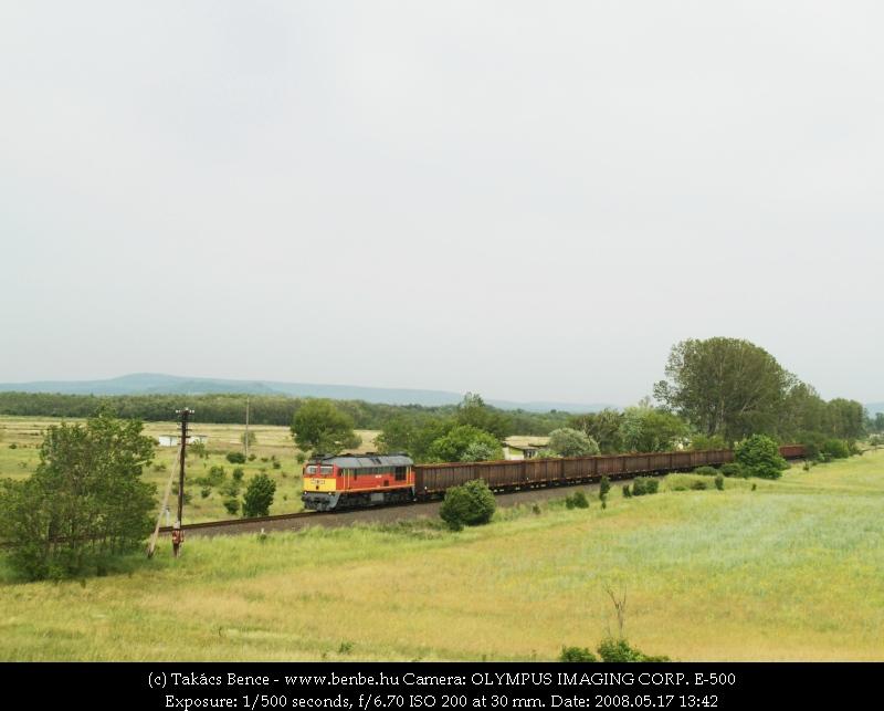 The M62 325 arriving at Lesencetomaj photo