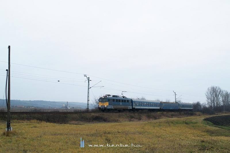 V43 1105 Ongaújfaluba érkezik fotó