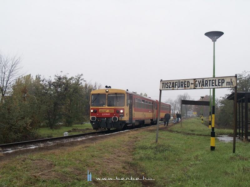 Bzmot 383 Tiszafüred-Gyártelep mh.-en fotó