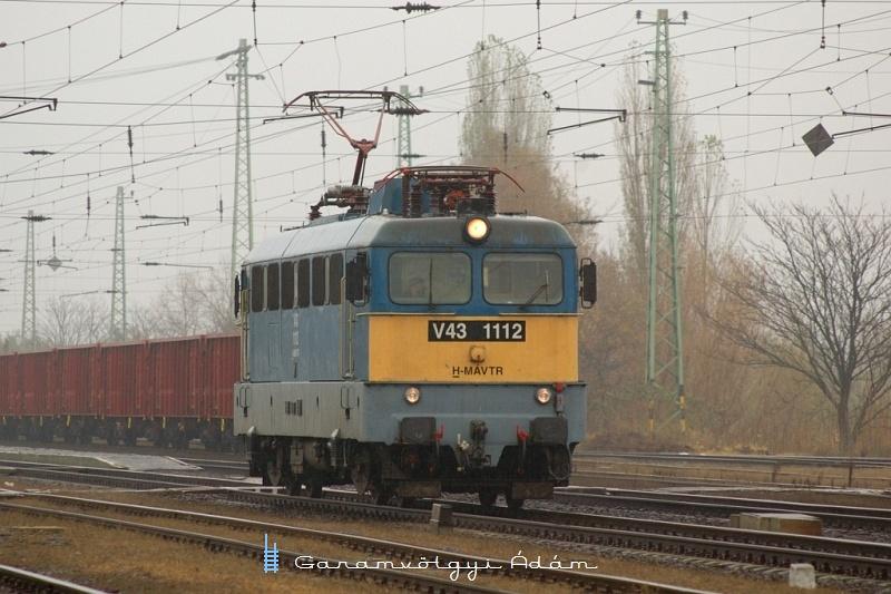 V43 1112 Karcagon fotó