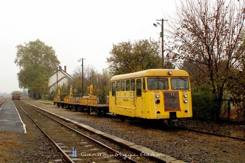TVGnh 1283 Tiszalök állomáson fotó