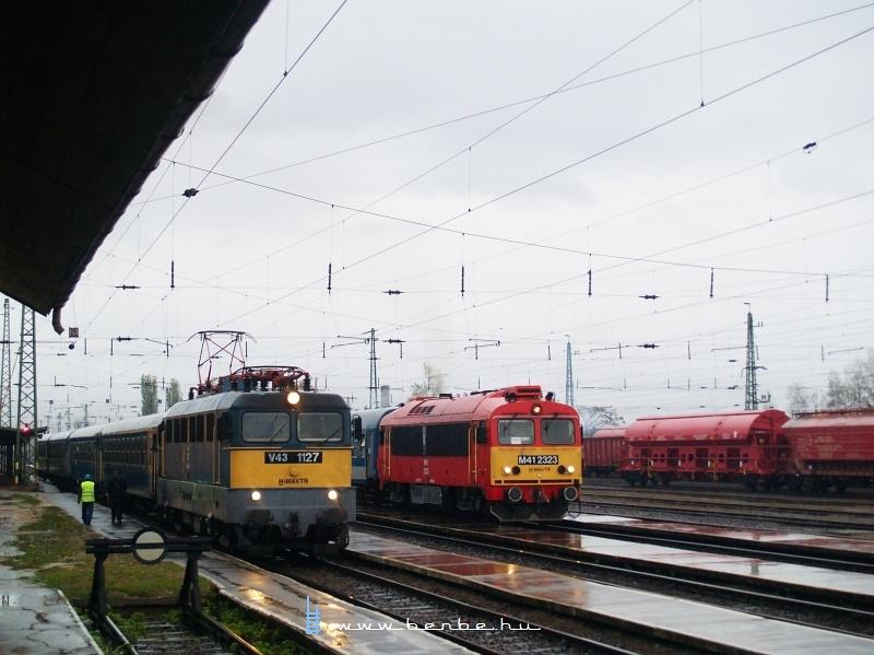 V43 1127 és M41 2323 Szerencsen fotó