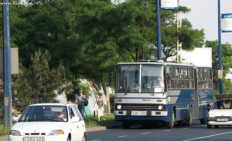 Ezüst nyíl Ik280 a 60-as buszon fotó