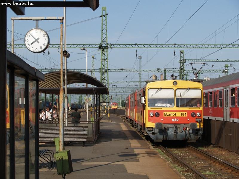 Bzmot 164 Székesfehérvár állomáson fotó