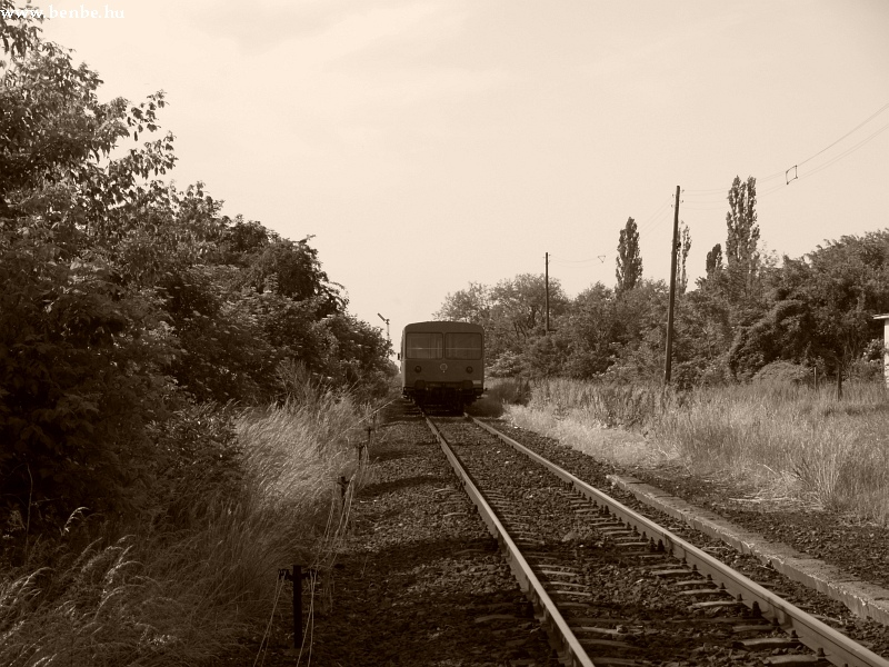 Bz motorvonat távozik Bodakajtor-Felsõszentiván mrh.-rõl fotó