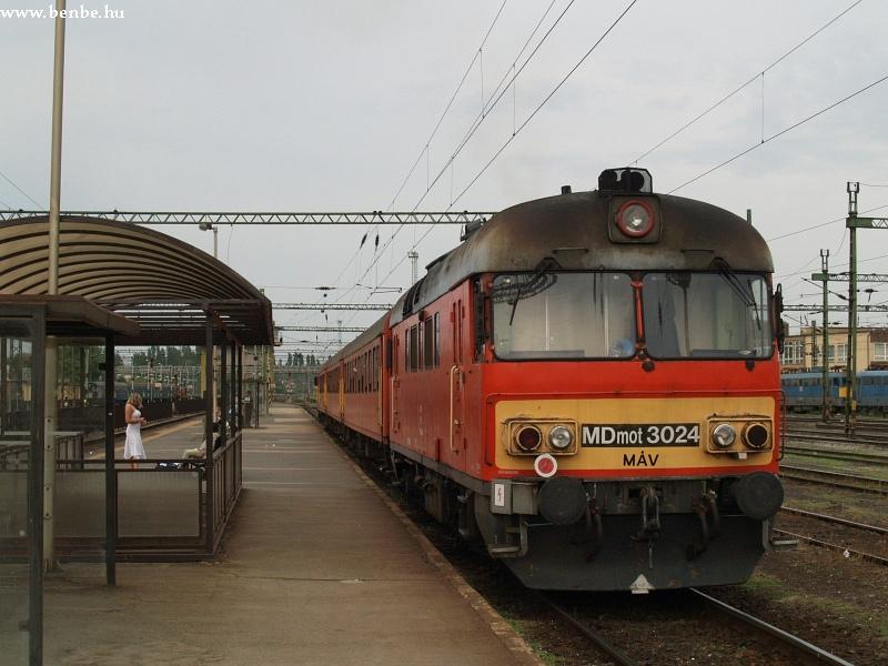 MDmot 3024 Székesfehérvár állomáson fotó
