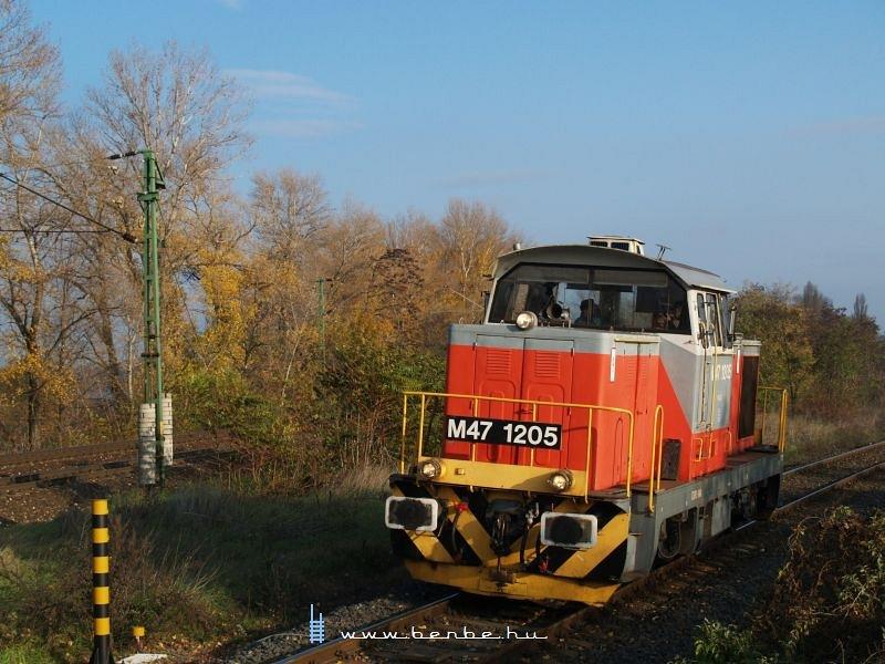 M47 1205 Komáromba érkezik fotó
