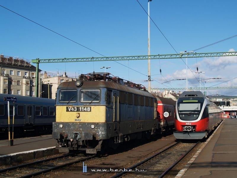 V43 1148 és 5342 009-7 a Déliben fotó