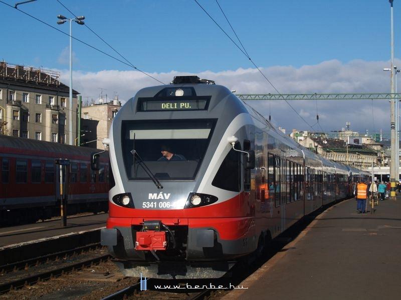5341 006-4 a Déli pályaudvaron fotó