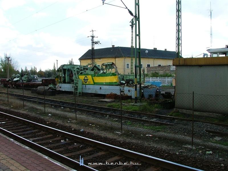 A GySEV V43 322 romjai Komáromban fotó