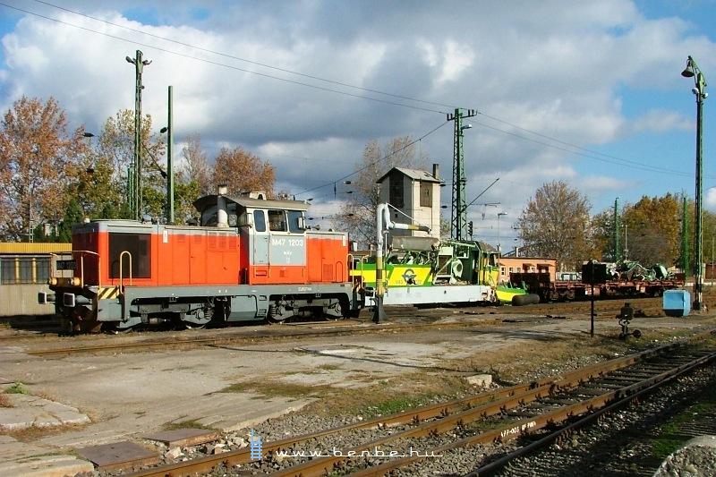 M47 1203 és V43 322 Komáromban fotó