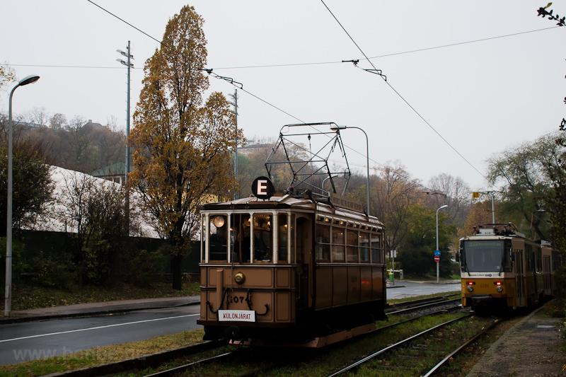 The BKVT S-típus 1074 seen  photo