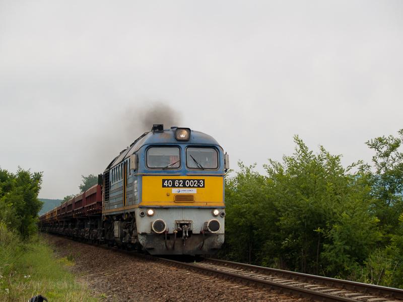 A 4062 002-3 Vizslás és Zag fotó