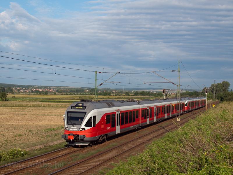The 5341 049-5 seen between Galgahévíz and Tura  photo