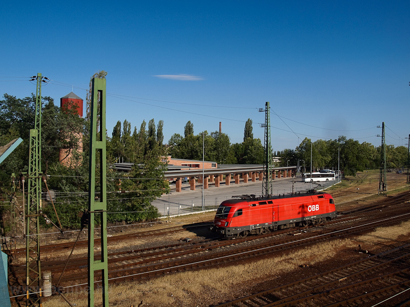 The ÖBB 1116 005-8 seen at  photo