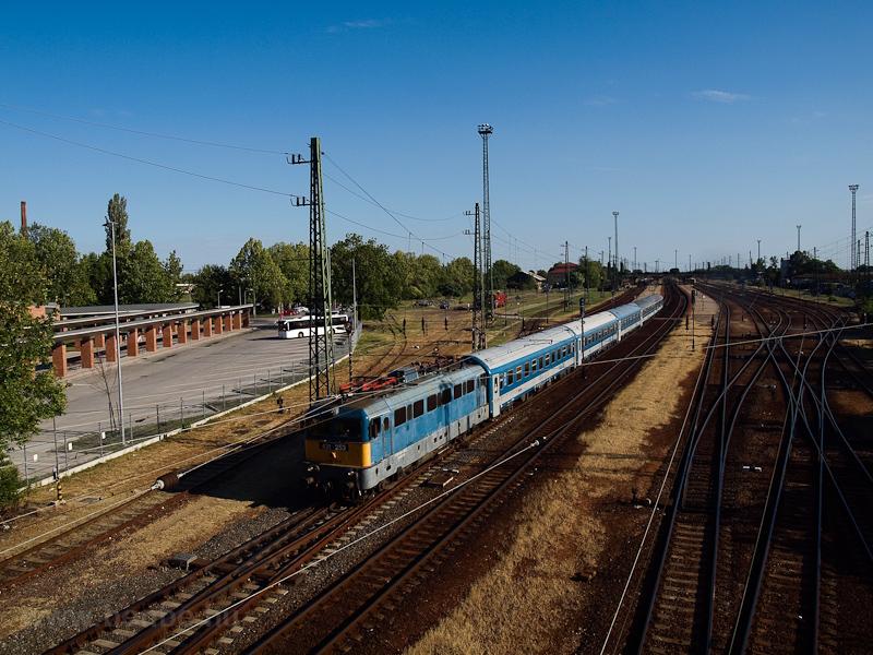 A MÁV-TR 431 253 Hatvan áll fotó