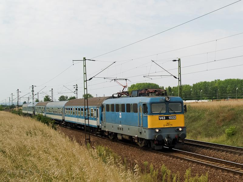 A V43 1022 Tura és Hatvan között  fotó