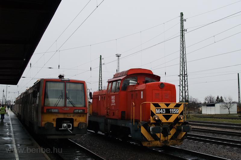 A 6341 014-6 és az M43 1159 Hatvan állomáson  fotó