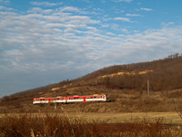 A class 6341 DMU seen between Zagyvap�lfalva and Vizsl�s
